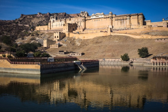 Amber Fort, coming straight out of a medieval tale